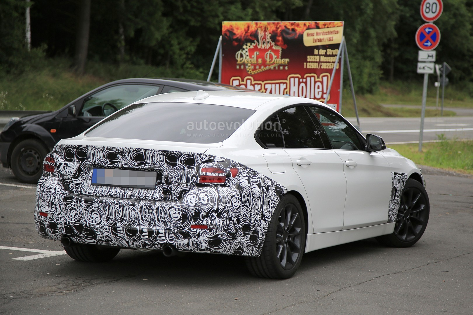 2018 BMW 4 Series Coupe photo - 5