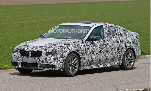 2018 BMW 5 Series Touring photo - 2