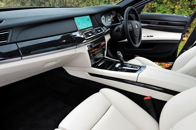 2018 BMW 7 ActiveHybrid photo - 1