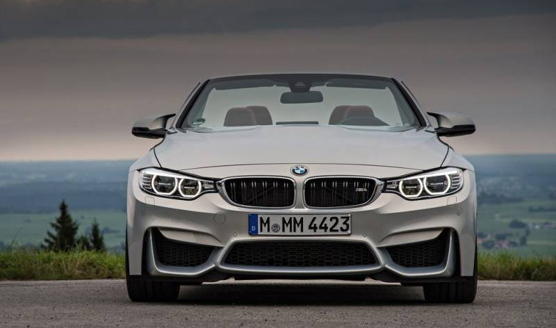 2018 BMW M4 Convertible photo - 3