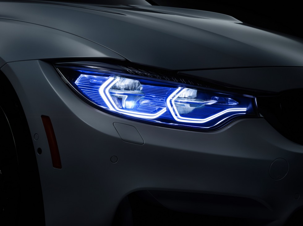 2018 BMW M4 Iconic Lights Concept photo - 1