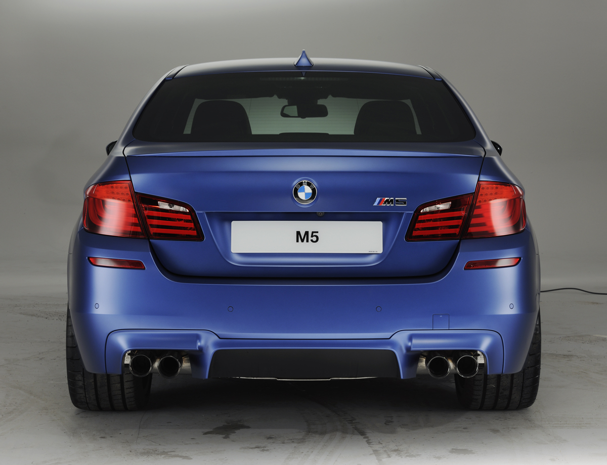 2018 BMW M5 UK Version photo - 2