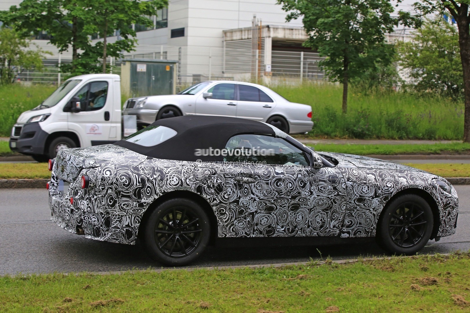 2018 BMW Roadster photo - 3