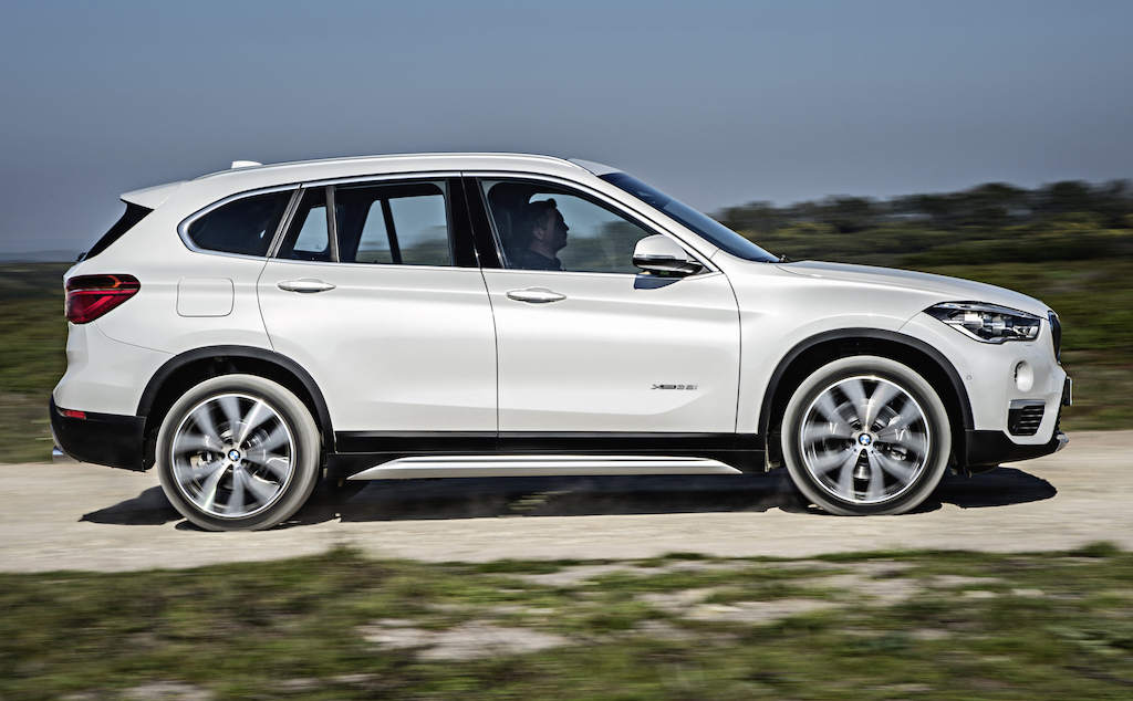 2018 BMW X1 xDrive28i photo - 1