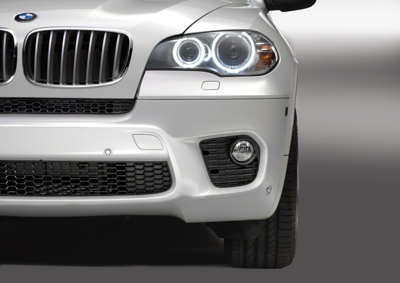 2018 BMW X5 M Package photo - 4