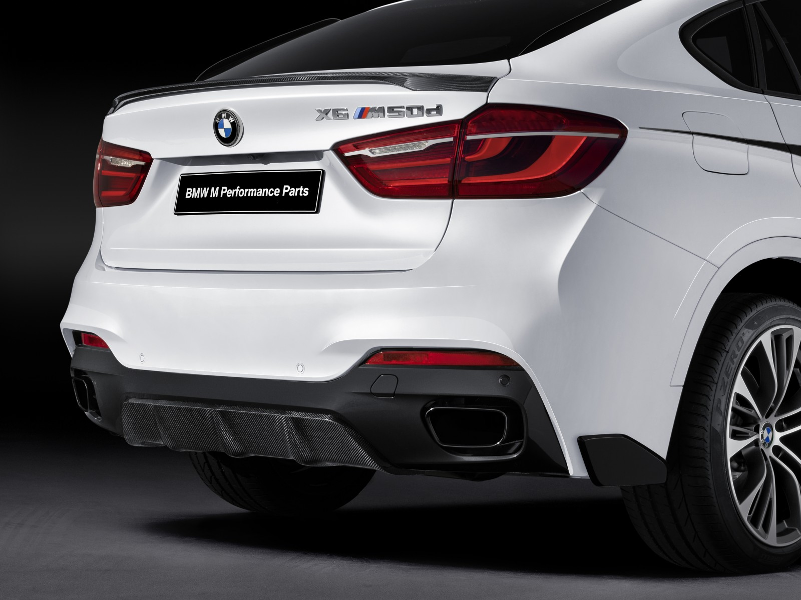 2018 BMW X6 M Performance Parts photo - 2
