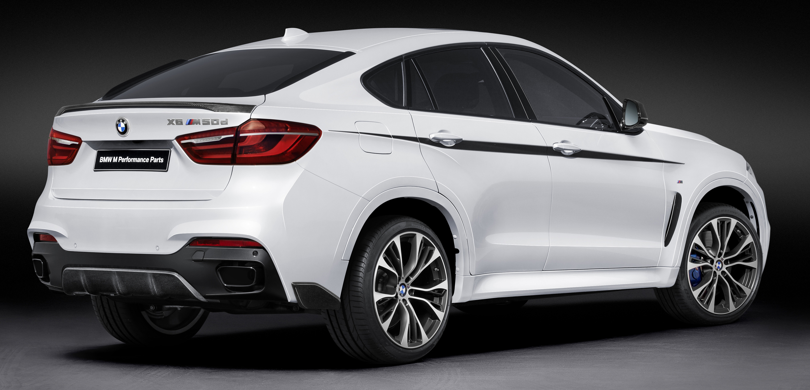 2018 BMW X6 M Performance Parts photo - 4