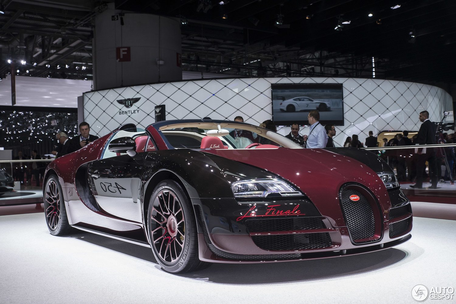 2018 Bugatti Veyron Grand Sport Vitesse La Finale photo - 4