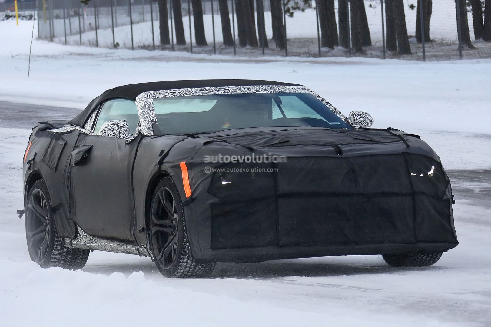 2018 Chevrolet Camaro Convertible photo - 5