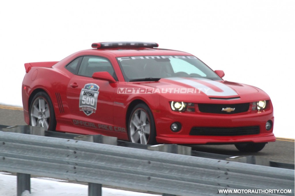 2018 Chevrolet Camaro SS Convertible Indy 500 Pace Car photo - 5