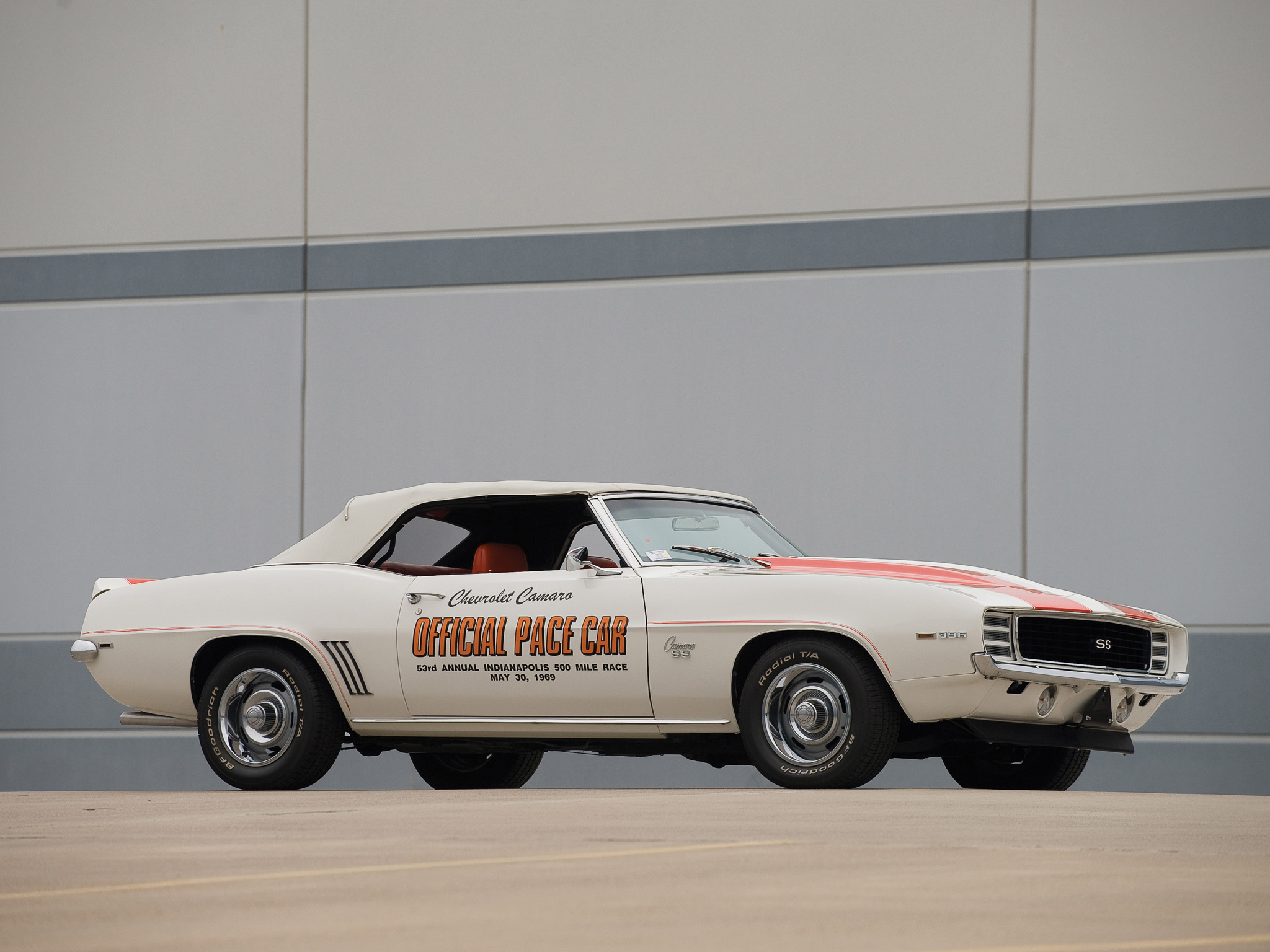 2018 Chevrolet Camaro SS Indy 500 Pace Car photo - 1