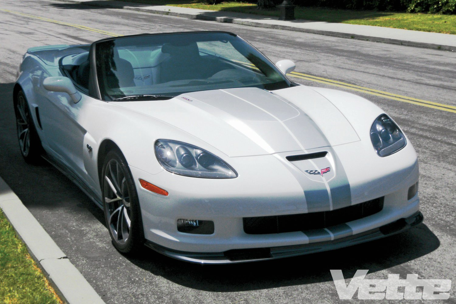 2018 Chevrolet Corvette 427 Convertible photo - 4