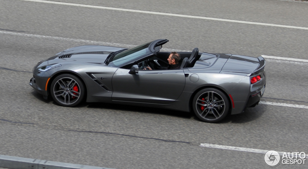 2018 Chevrolet Corvette C7 Stingray Convertible photo - 3