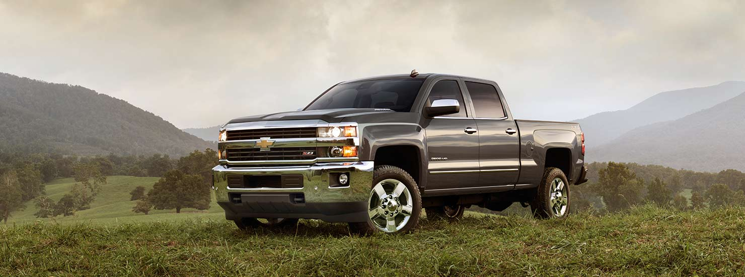 2018 Chevrolet Silverado Crew Cab photo - 1