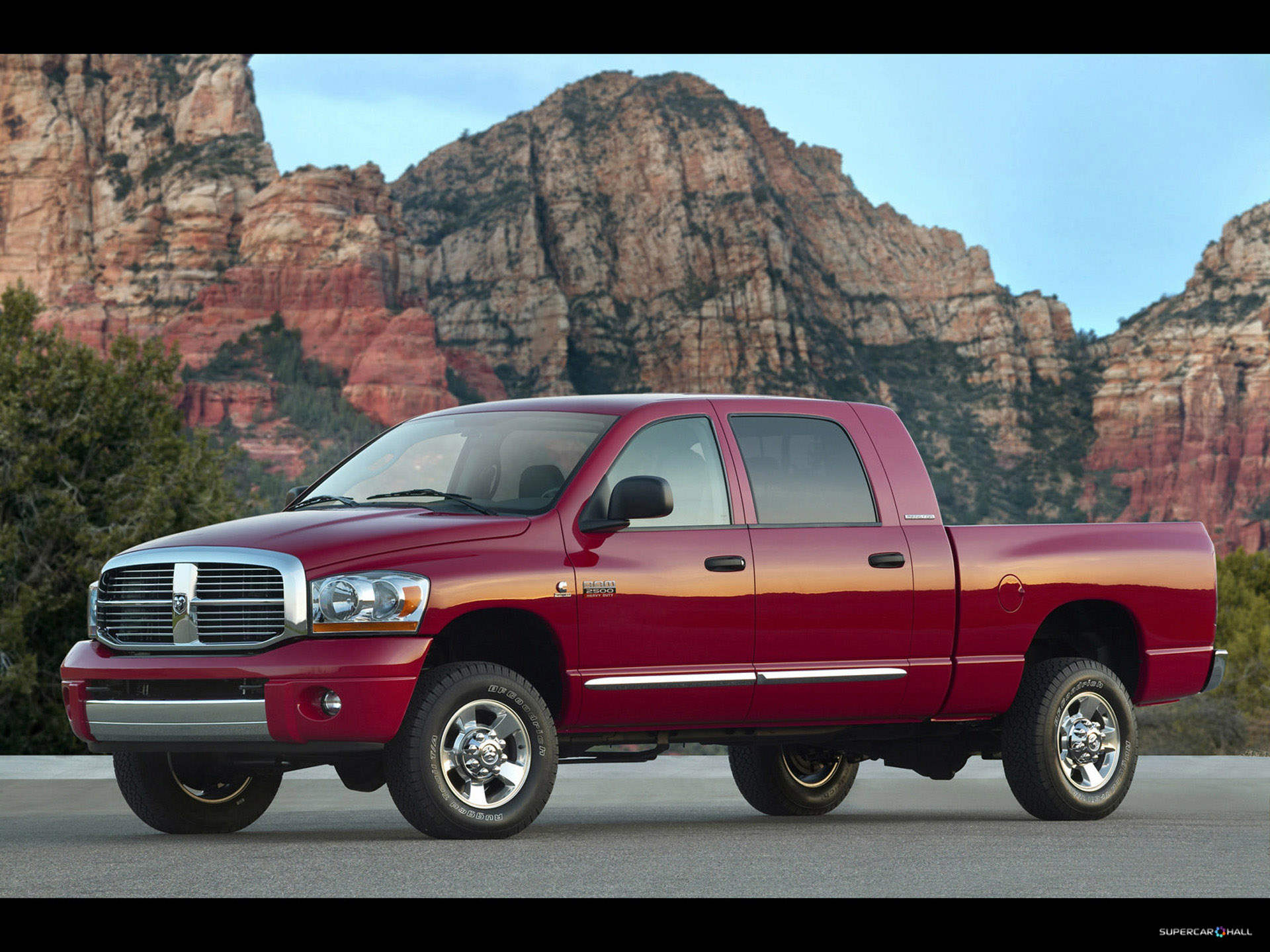 2018 Dodge Ram Mega Cab photo - 4