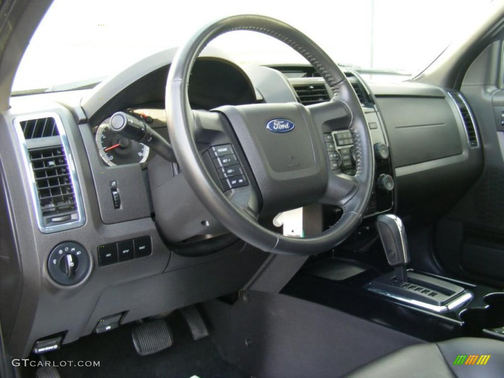 2018 Ford Escape Limited photo - 2