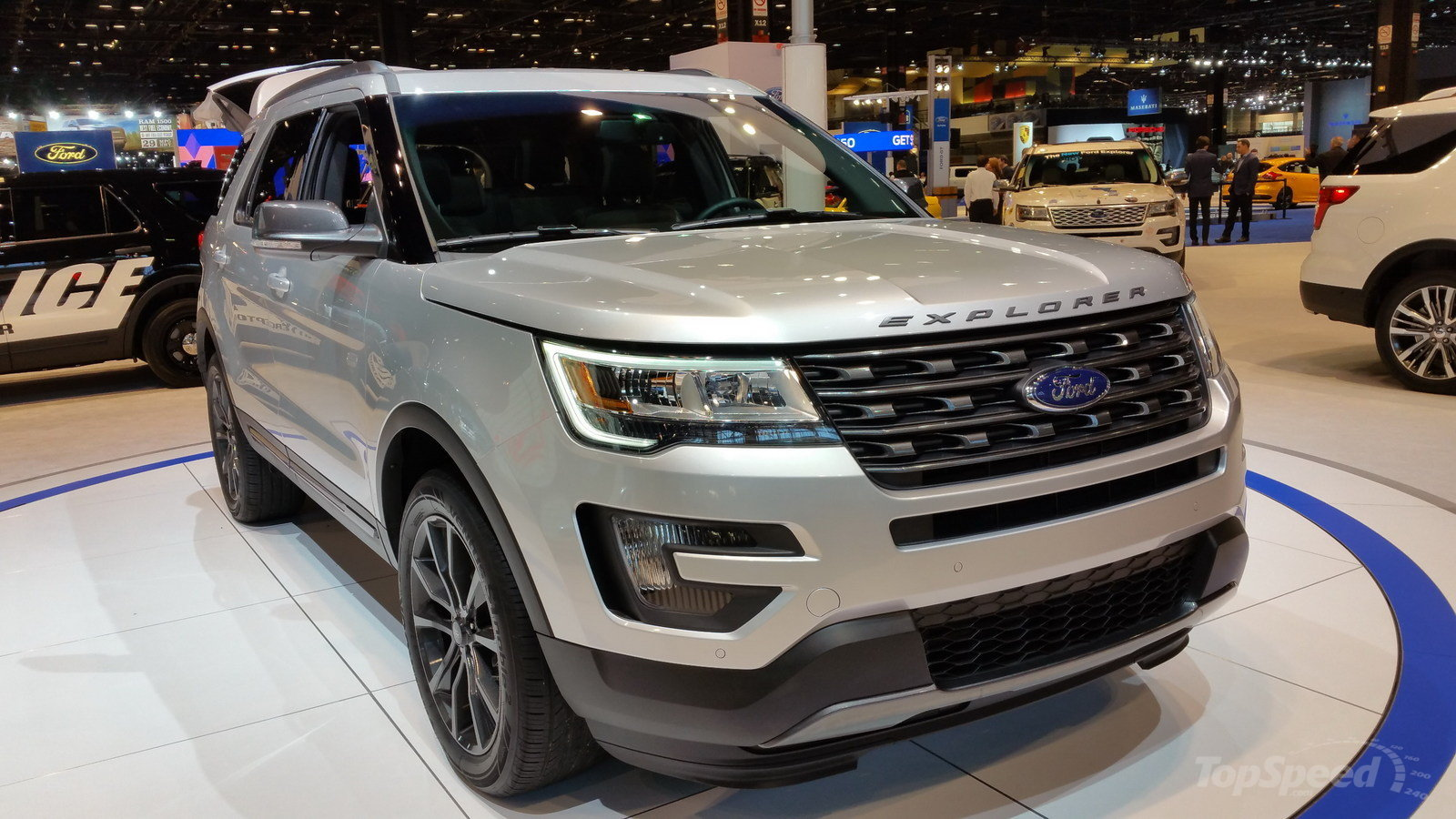 2018 Ford Explorer photo - 4