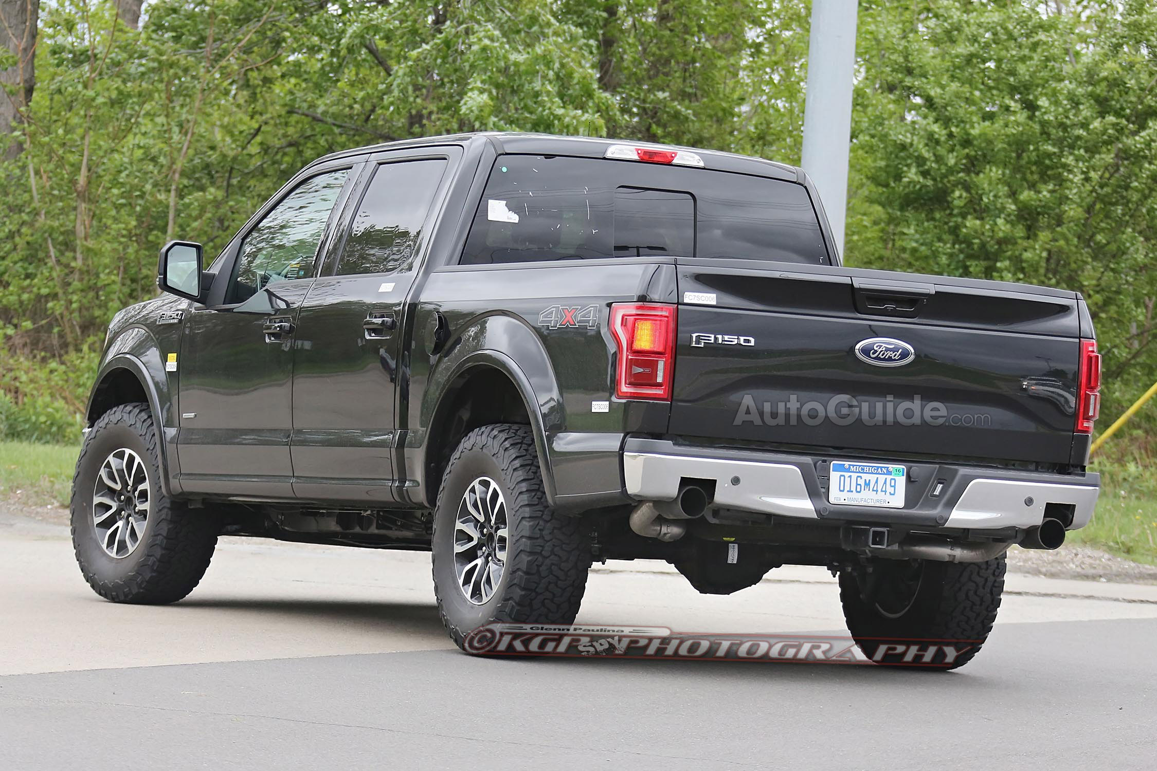 2018 Ford F 150 Raptor photo - 4