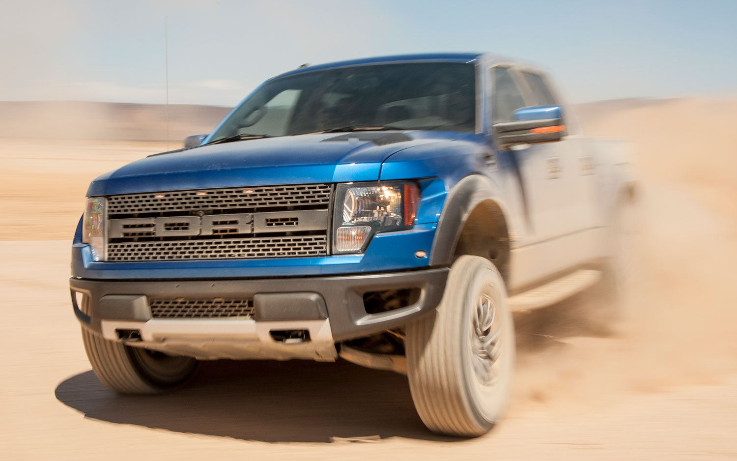 2018 Ford F 150 SVT Raptor SuperCrew photo - 3