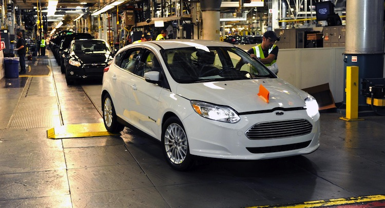 2018 Ford Focus CMax photo - 4