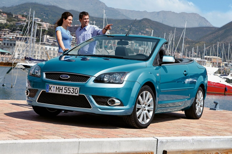 2018 Ford Focus Coupe Cabriolet photo - 3
