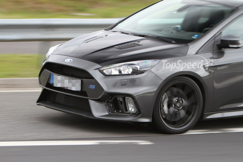 2018 Ford Focus RS photo - 2