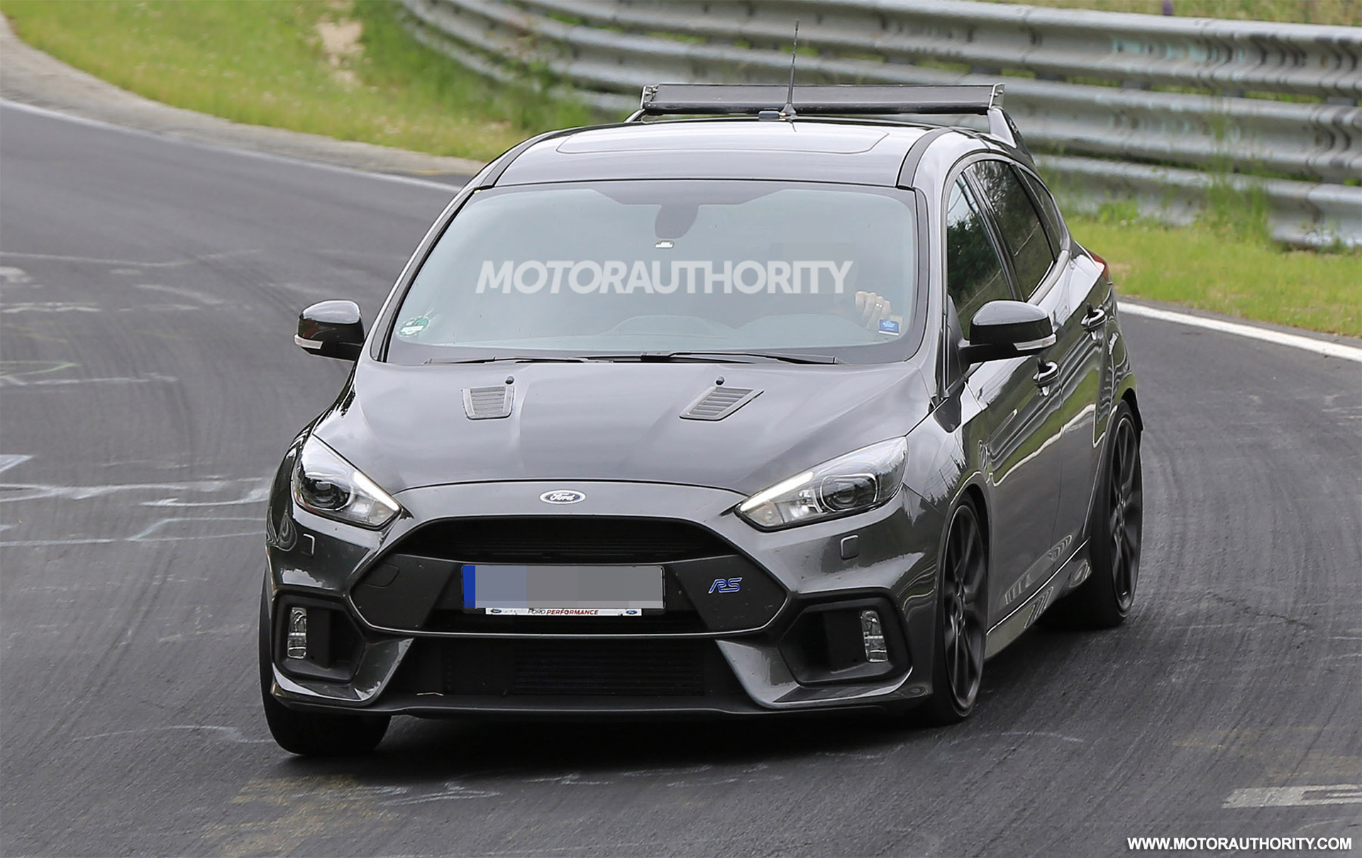2018 Ford Focus RS500 photo - 1