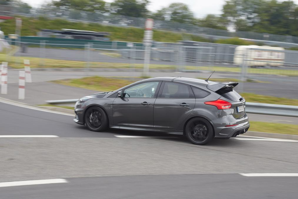 2018 Ford Focus RS500 photo - 2