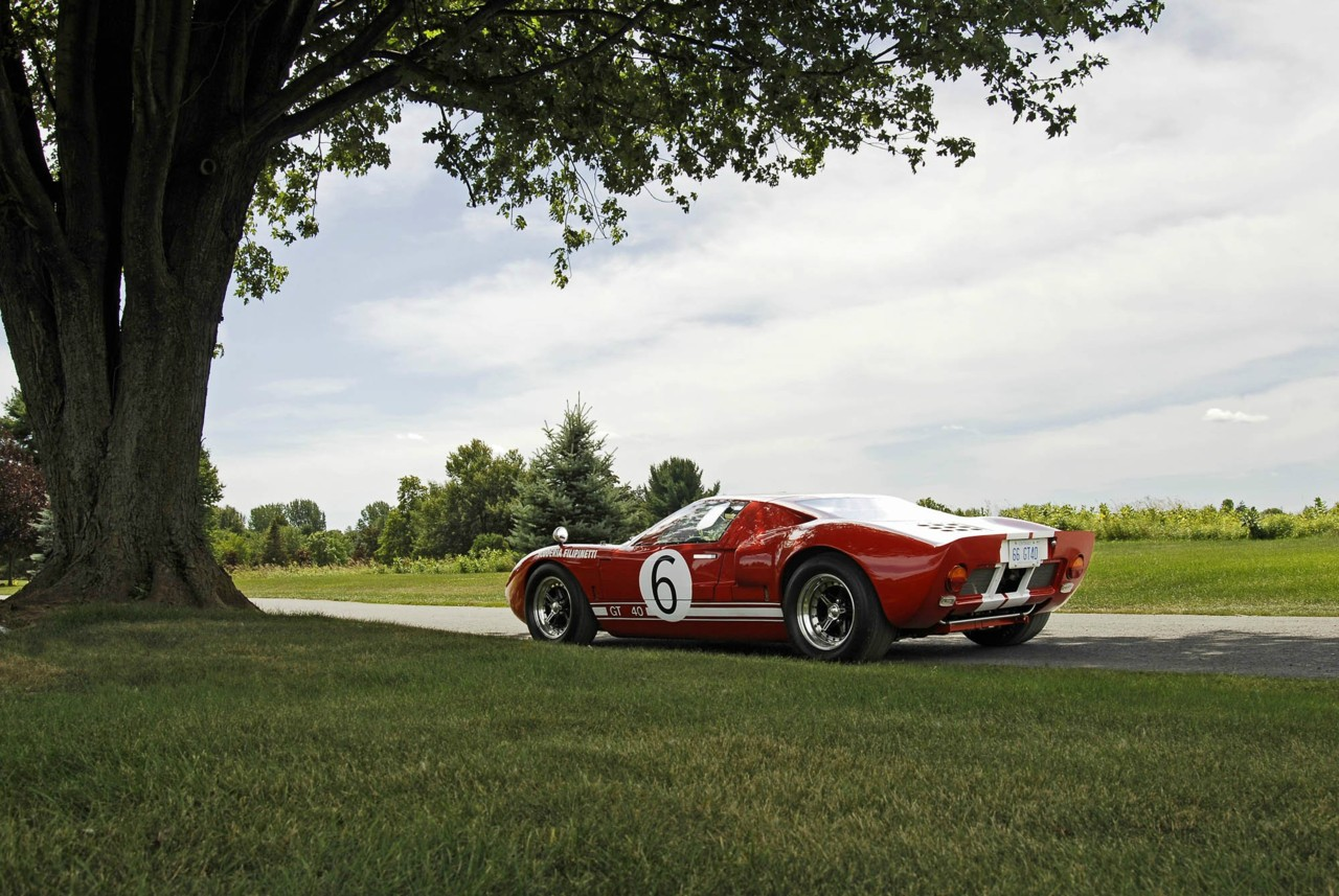 2018 Ford GT40 photo - 5