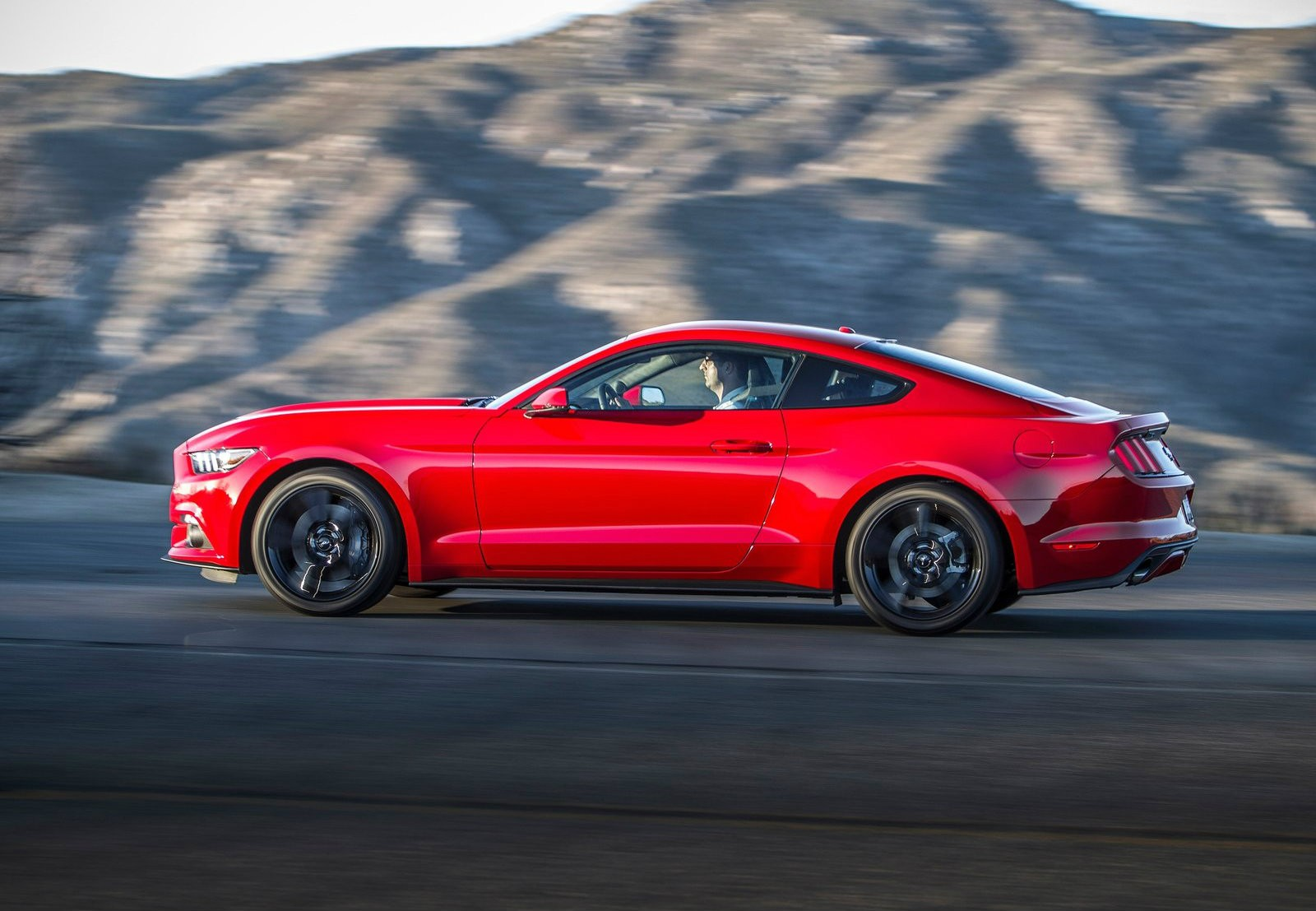 2018 Ford Mustang EcoBoost photo - 1