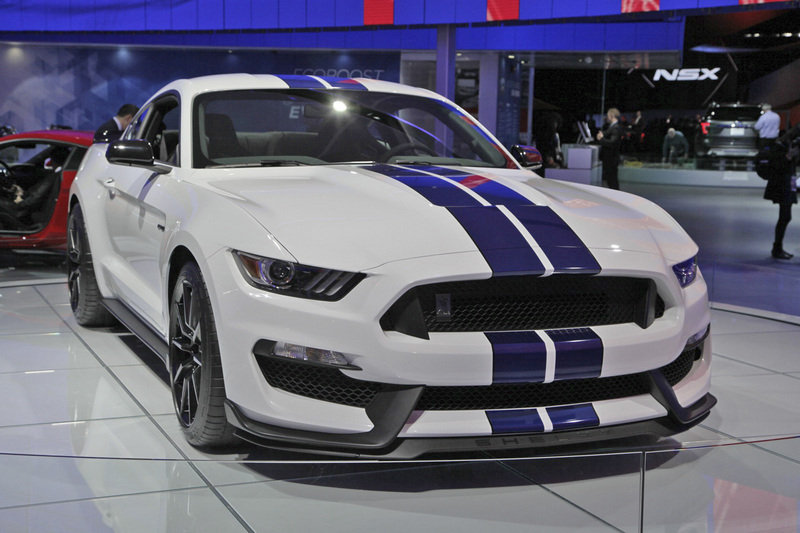 The updated 2018 Ford Mustang Shelby GT350 has now surfaced in photos ...