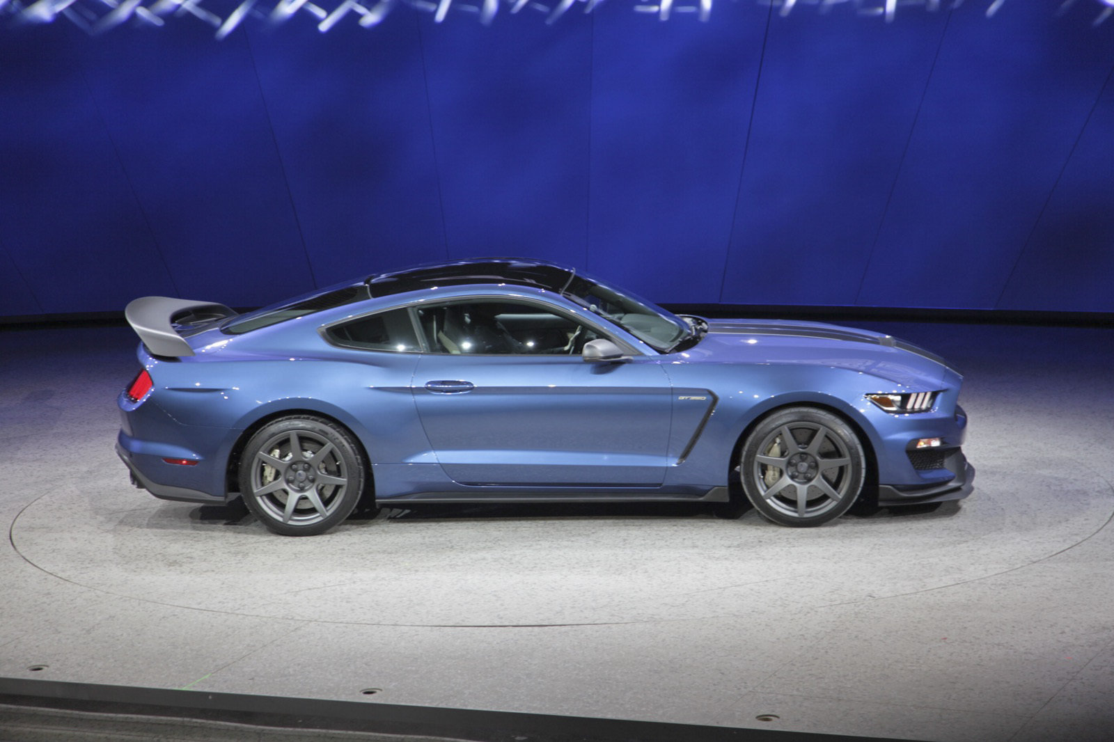 2018 Ford Mustang Shelby GT350R photo - 4