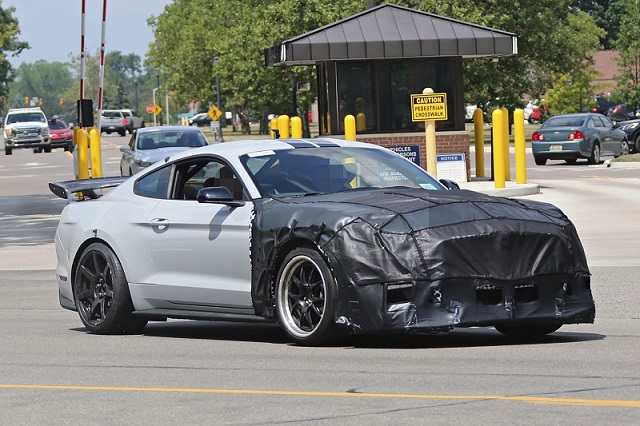 2018 Ford Mustang Shelby GT500 photo - 3