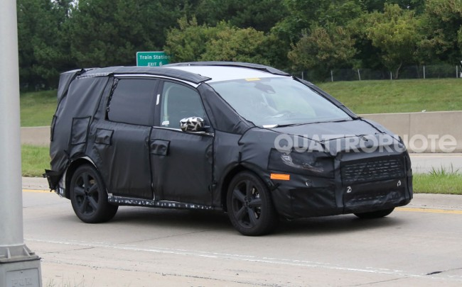 2018 Ford S MAX photo - 3
