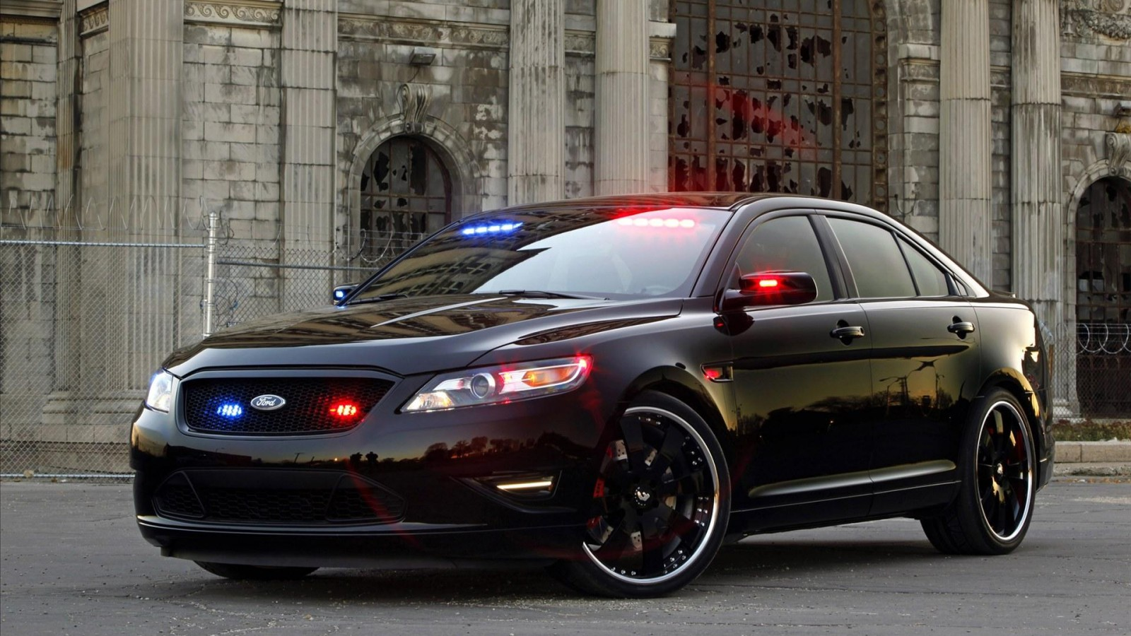 2018 Ford Stealth Police Interceptor Concept photo - 2
