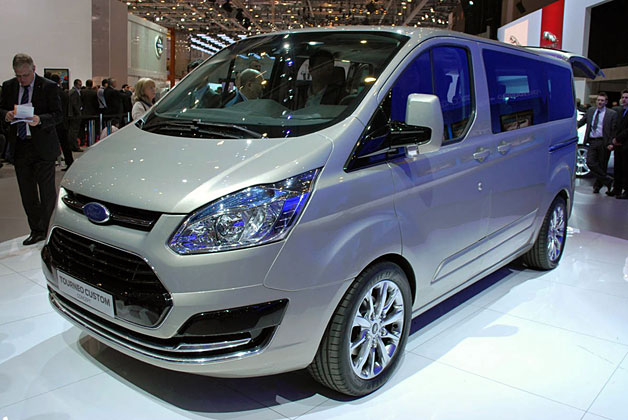 2018 Ford Tourneo Custom Concept photo - 2