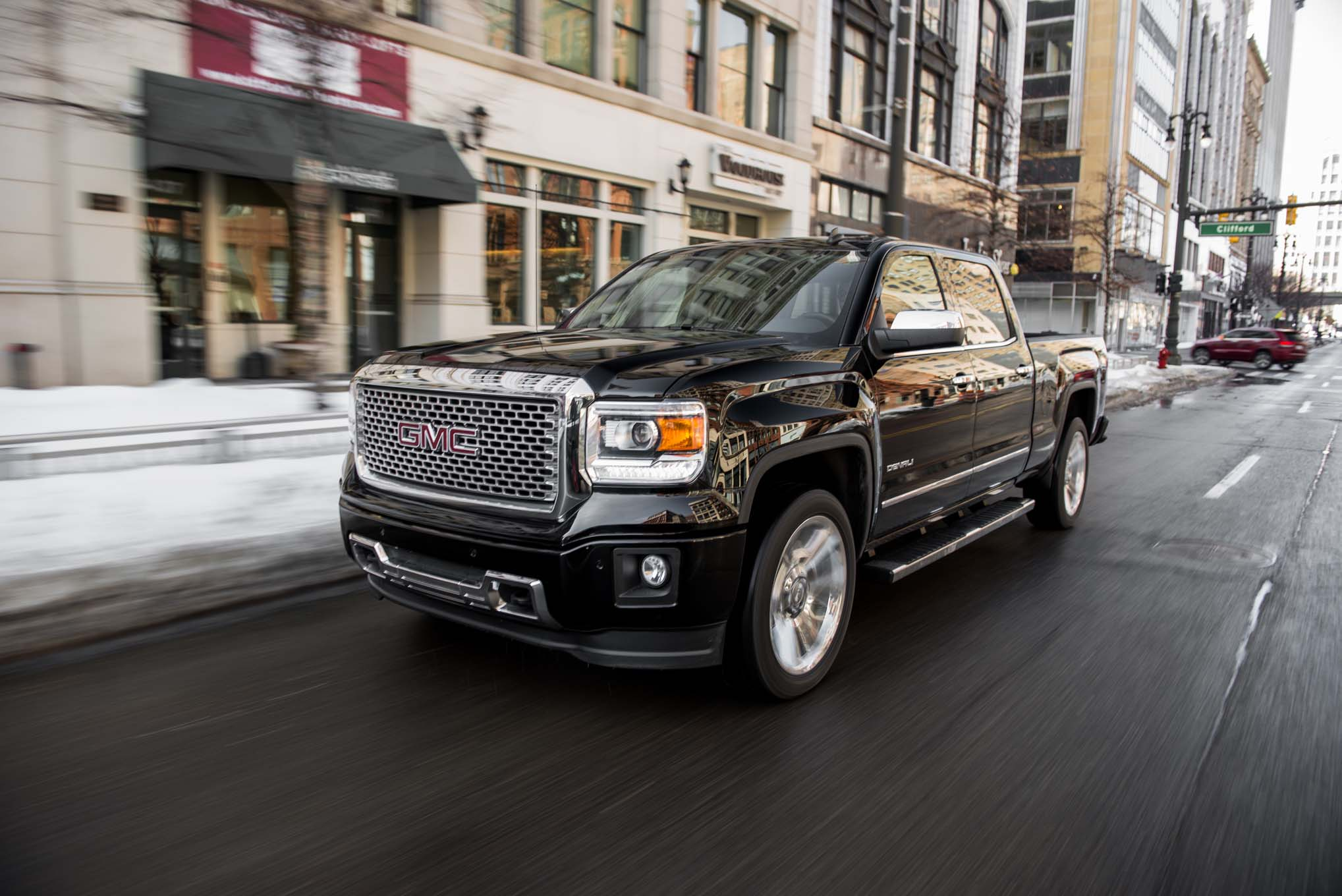 2018 GMC Sierra Denali 1500 Crew Cab photo - 4