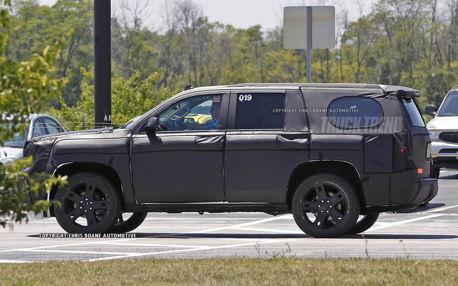 2018 GMC Yukon Hybrid photo - 3