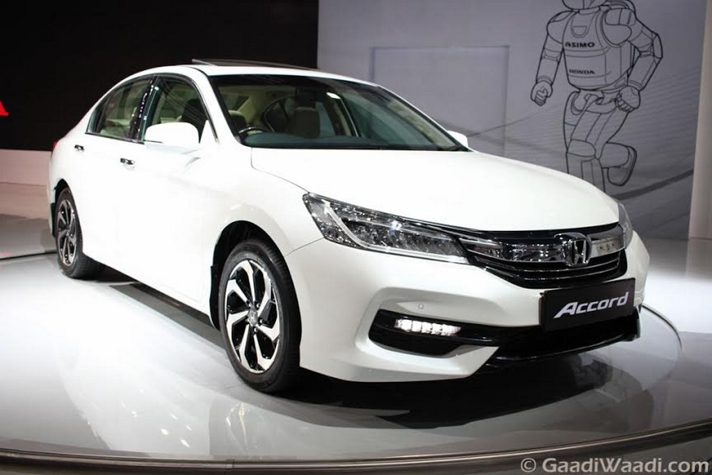 2018 Honda Accord Hybrid photo - 2