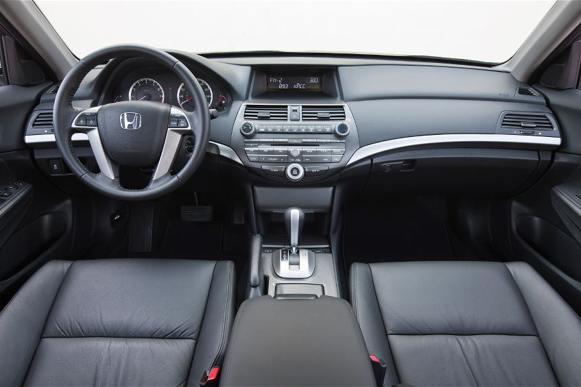 2018 Honda Accord SE photo - 5