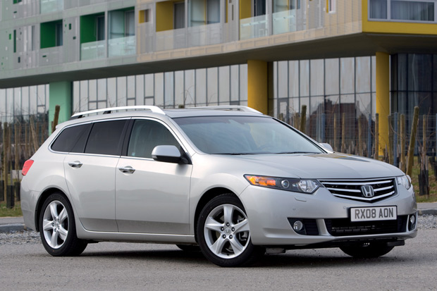 2018 Honda Accord Wagon photo - 3