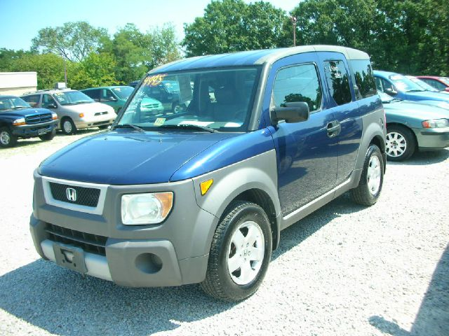 2018 Honda Element EX photo - 2