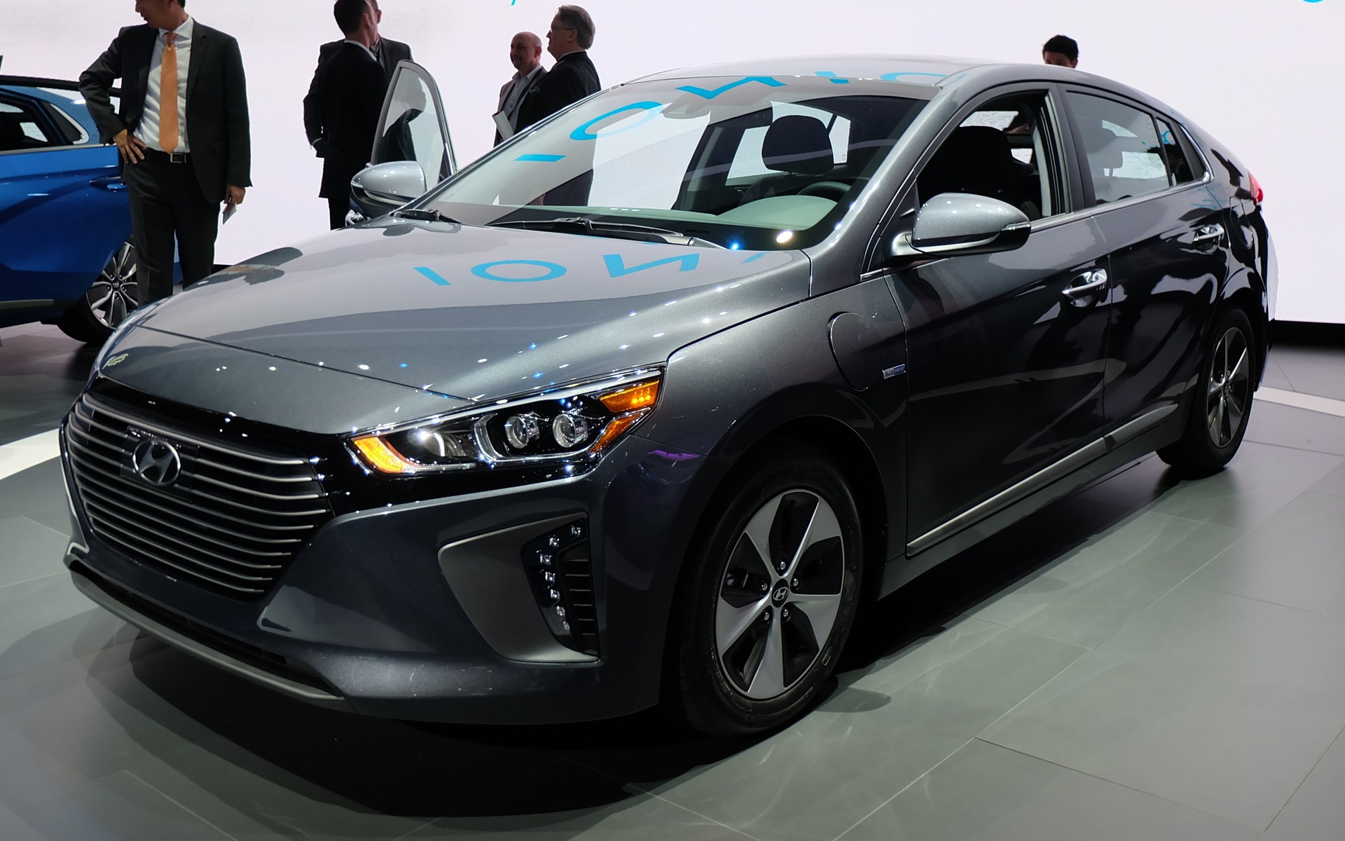 2018 Hyundai i ioniq Concept photo - 1