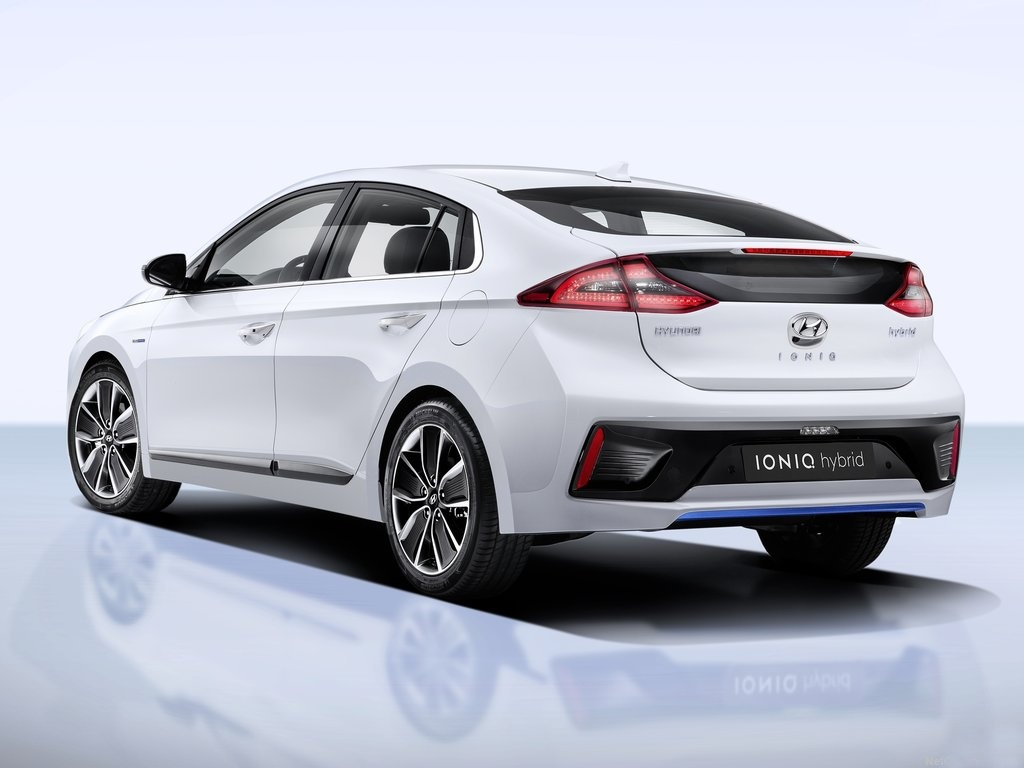 2018 Hyundai i ioniq Concept photo - 5