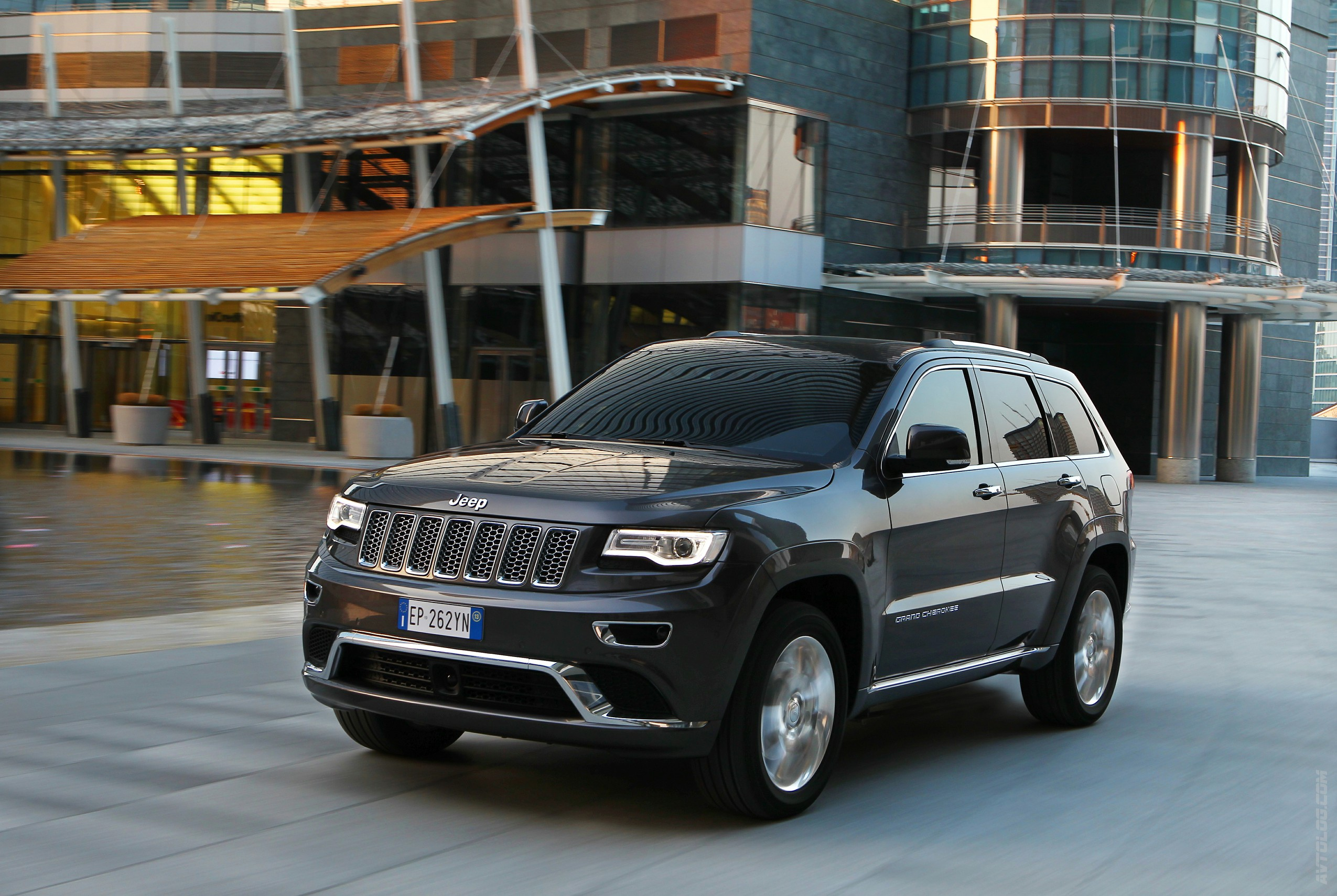 2018 Jeep Grand Cherokee EU Version photo - 4