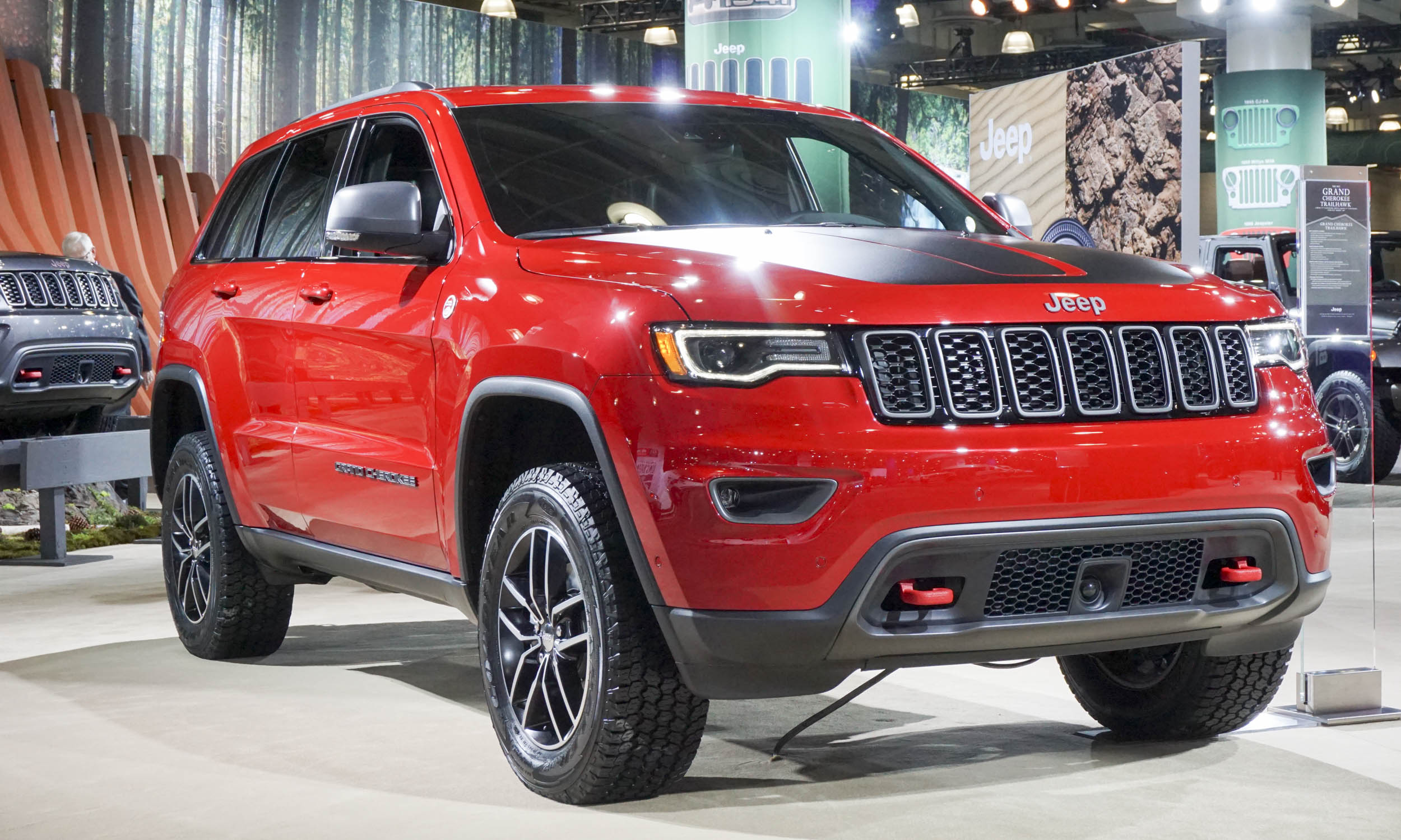 2018 jeep grand cherokee trailhawk car photos catalog 2018. Black Bedroom Furniture Sets. Home Design Ideas