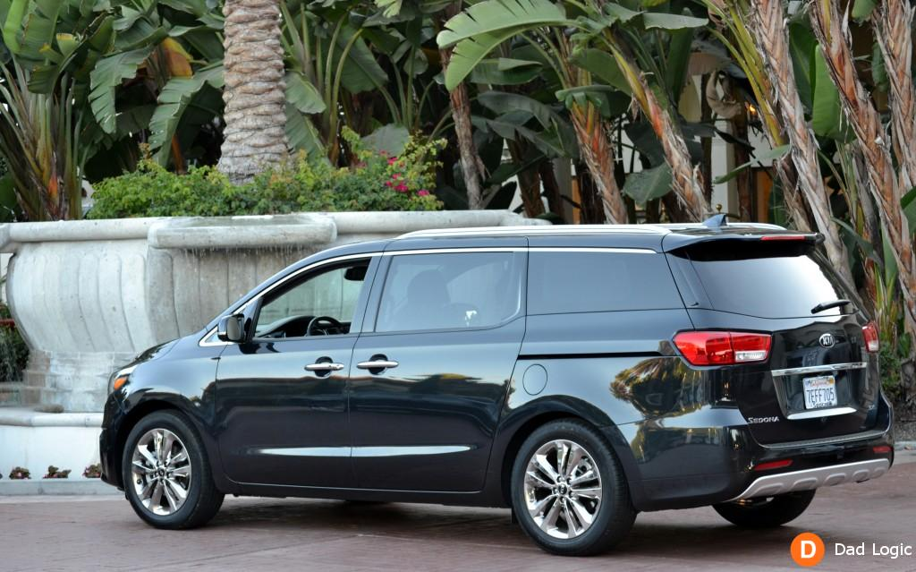 2018 Kia Sedona photo - 4