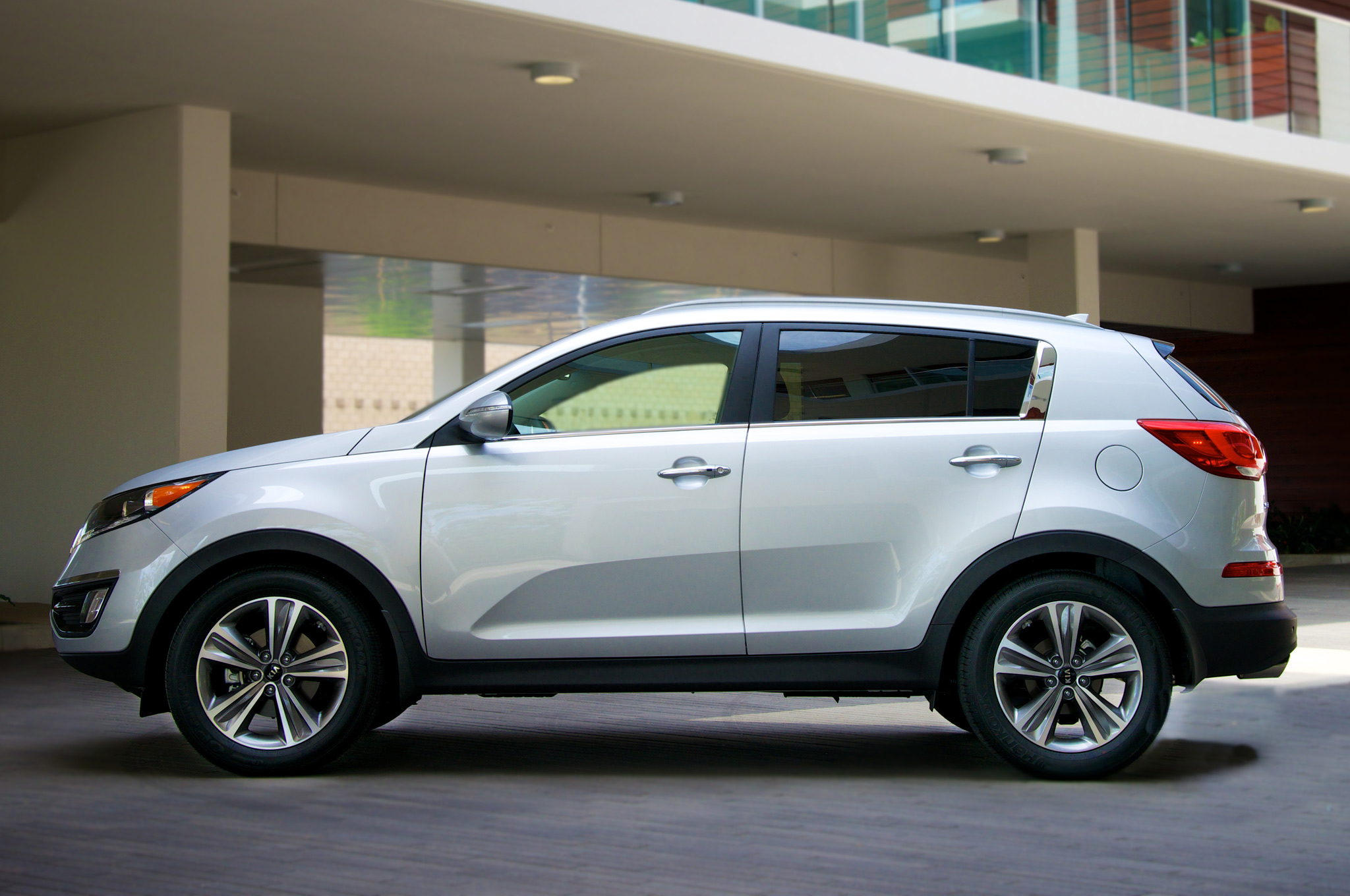 2018 Kia Sportage SX photo - 3