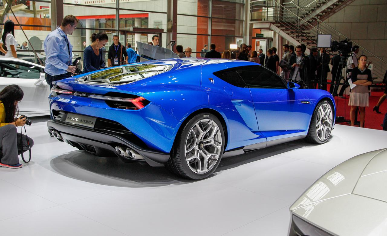 2018 Lamborghini Concept S photo - 2