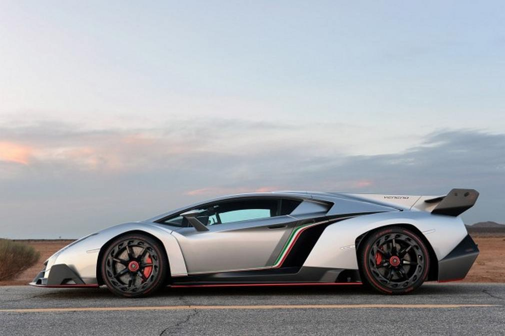 2018 Lamborghini Veneno photo - 4